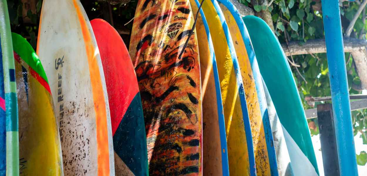 photo of assorted colored boats