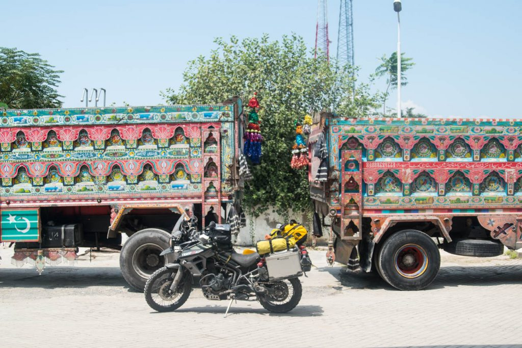 Trucks pakistan