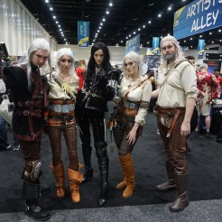 A fantastic group of Witchers with a couple Geralts, a couple Ciris and, and the sorceress Yennefer. Instagram accounts from left to right: @savith13, @dromhunter, @cicosplay, @thecosplaybakery (account for both Ciri and Geralt on the right). Give them a follow for more awesome cosplay!