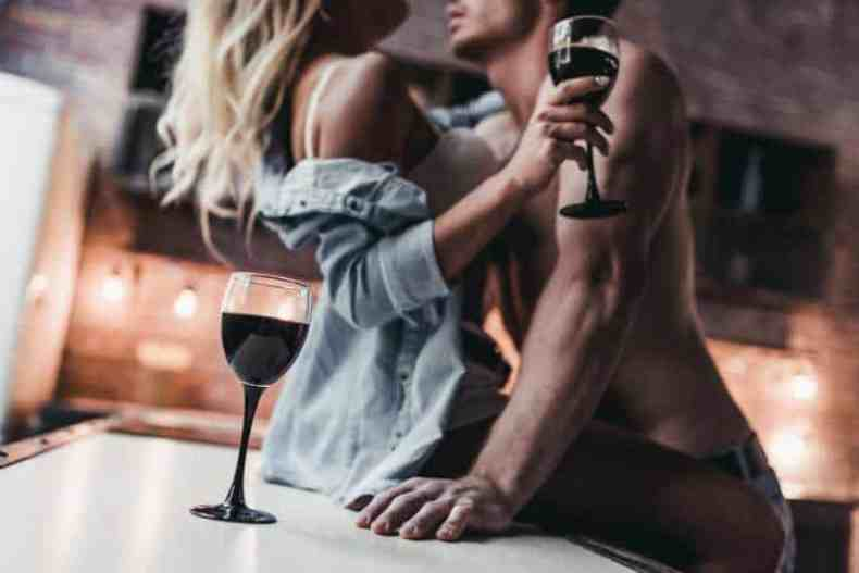 Food & Foreplay: 11 Tips for MAXIMUM Pleasure (Plus: 3 Foods To Avoid)
