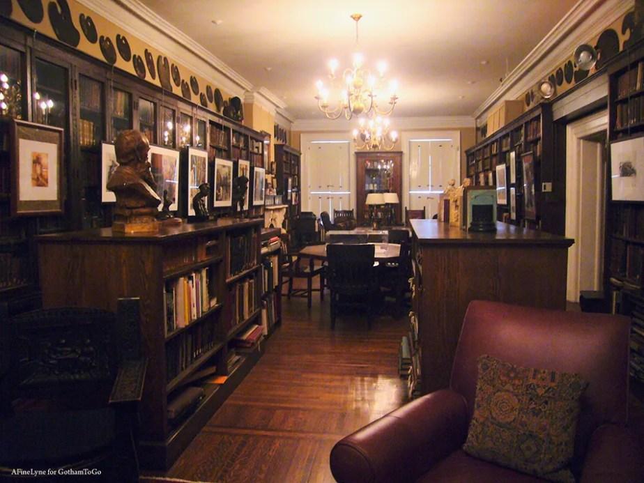 Salmagundi Club Library