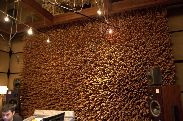 Tán âm phòng thu với gỗ tán âm