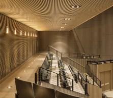 Tiêu âm tường nhà hát với gỗ tiêu âm xẻ rãnh