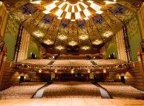 Tiêu âm thính phòng, nhà hát với gỗ