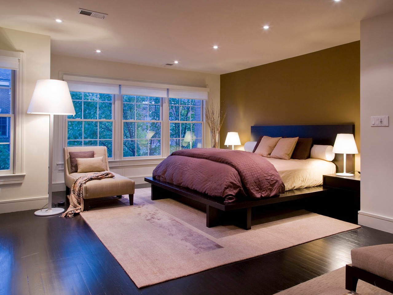 Luxury Design For Small Bedroom Interior Space 16517