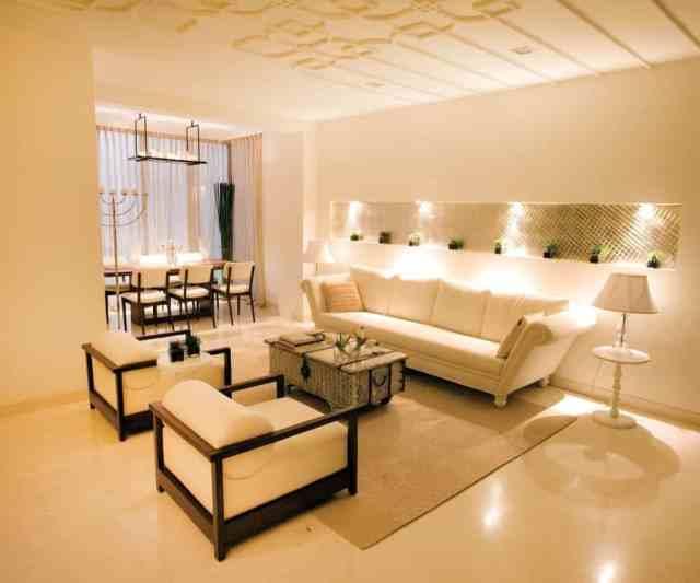 Contemporary Indian Living Room Interior Elegant Ceiling ...