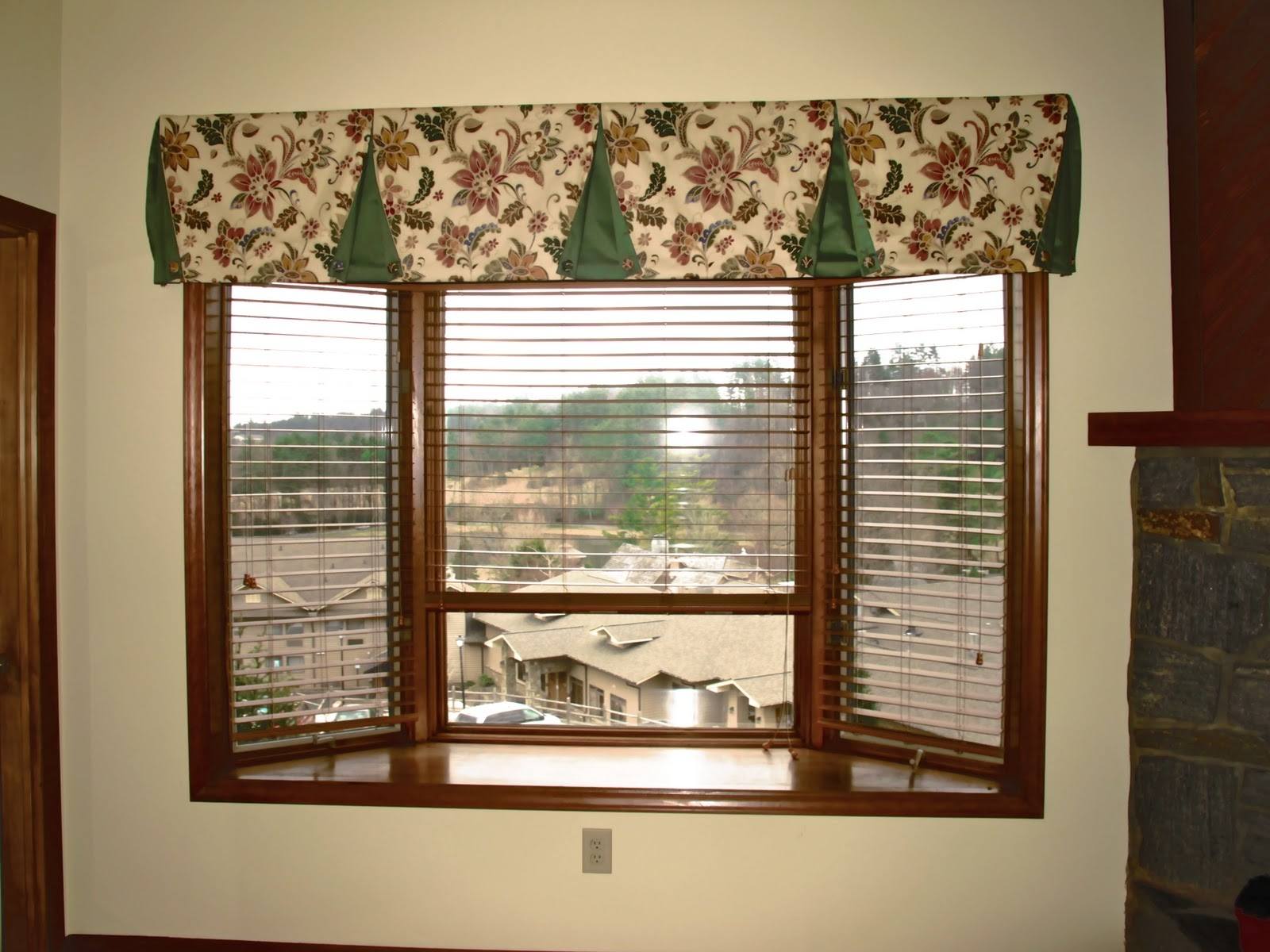 15 Collection Of Curtains For Small Bay Windows