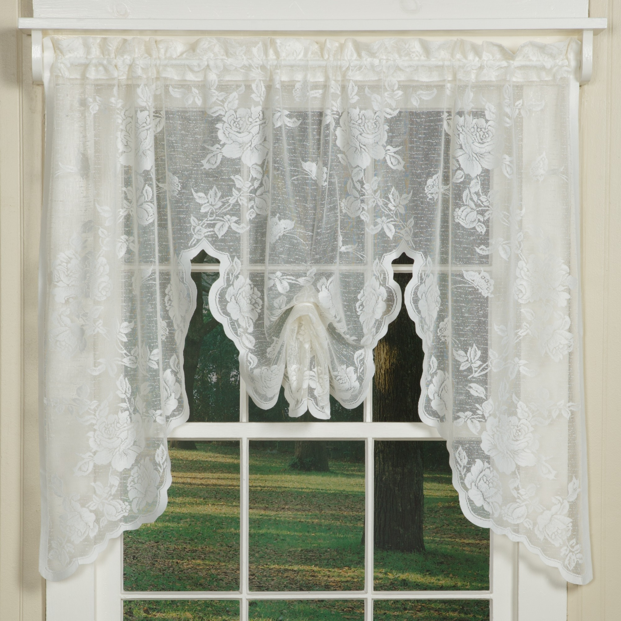 25 Lace Curtains