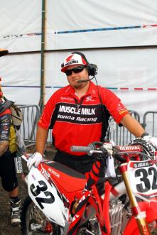 Brent standing by - Thunder Valley 05 (racerx-cudby photo)