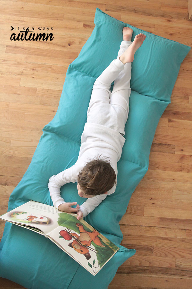 Kids' Pillow Bed/Chair tutorial - Sewtorial