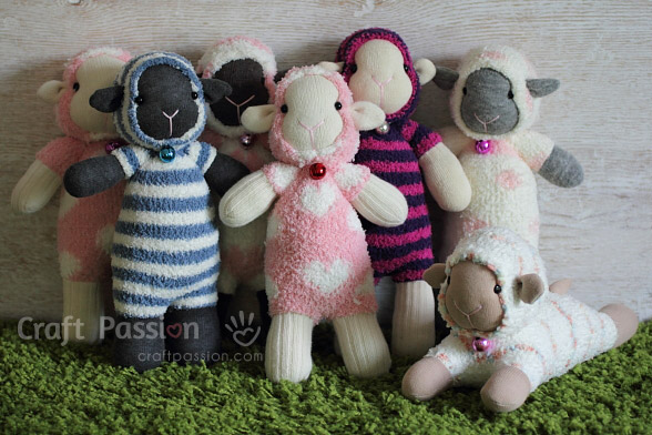 HEre's an adorable sheep sock pattern by Craft Passion that little kids (and big kids) will love - Sewtorial