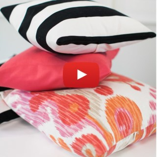 The DIY throw pillow cover by Style Me Pretty is an easy way to change the look of your pillows instantly. -Sewtorial