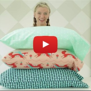 In this video tutorial by Dana from Made, you learn 2 ways to sew a pillowcase with only 1 yard of fabric. -Sewtorial