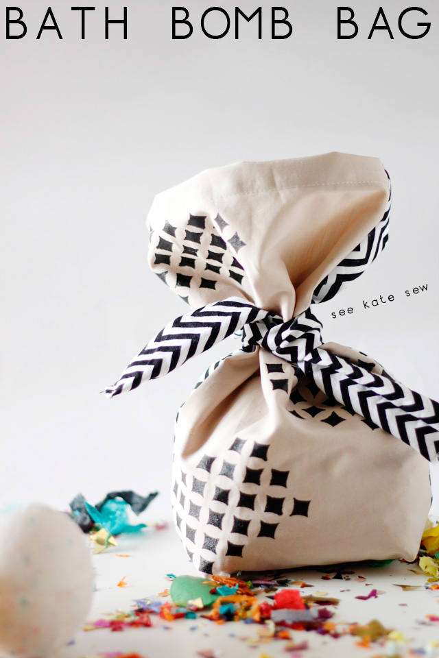 See Kate Sew shares an adorable DIY fabric gift bag that you can make to wrap up something beautiful for that special person on your list. -Sewtorial