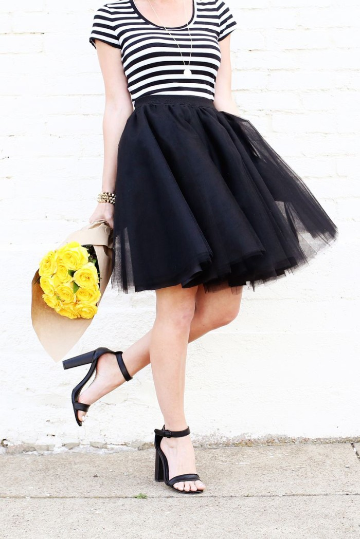In this tutorial by A Beautiful Mess , you'll learn to create a simple to make tulle skirt that you'll love. - Sewtorial