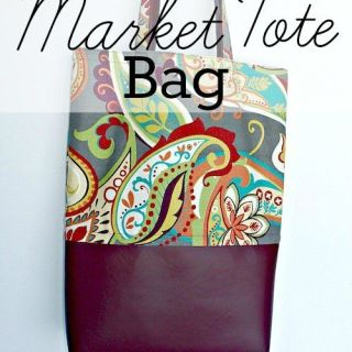 Paper or Plastic? How about fabric instead?Do your shopping in style with this chic DIY reusable market tote by Little House Living. -Sewtorial