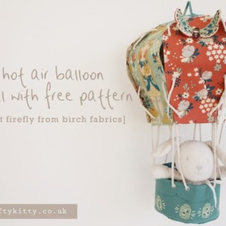 Add a little DIY flair to your baby's nursery or an adorable baby shower gift with the Fabric Hot Air Balloon tutorial by Birch Fabrics. -Sewtorial