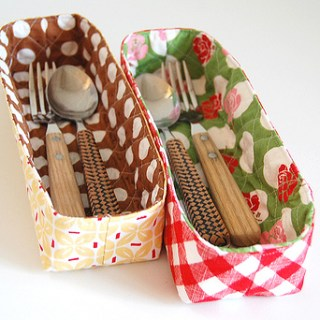 Looking for ways to organize your space? Use up that mile high fabric stash and make these cute little organizer baskets by Pink Penguin. -Sewtorial