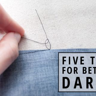 Darts are used to add shape to a garment, particularly around the bust area. Learn how to sew darts with these 5 great tips from IndieSew. -Sewtorial