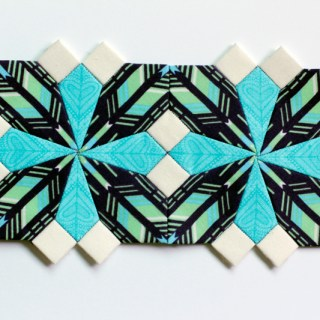Express your creativity with paper piecing using this step-by-step tutorial by Carley Biblin for Sew Mama Sew. -Sewtorial