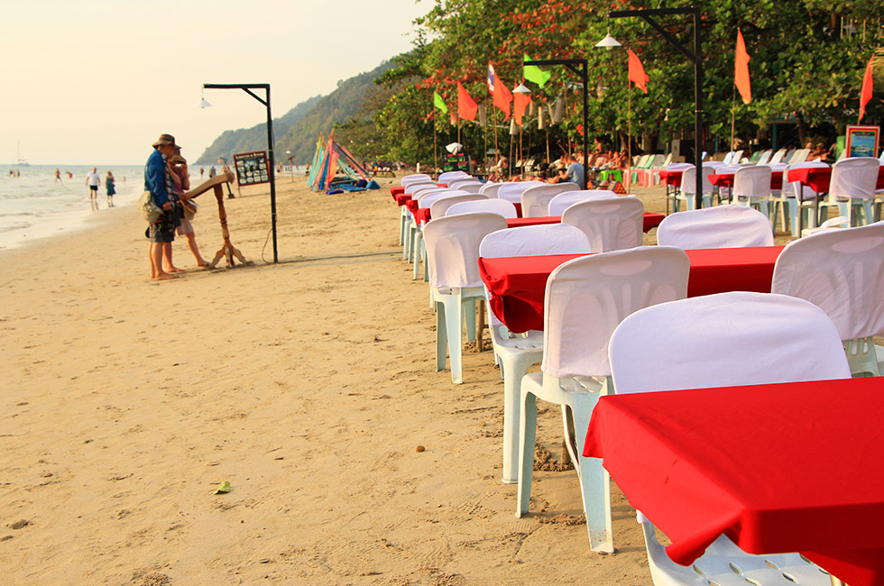 Dining on the beach - White Sand Beach Resort on Koh Chang
