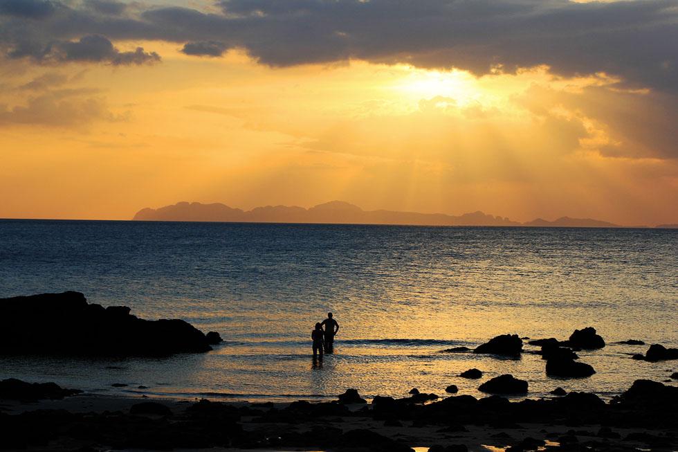 Catching Koh Jum's sunset at Long Beach