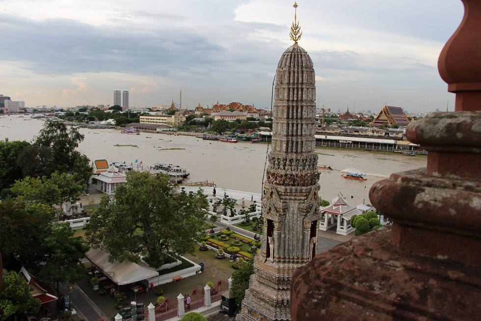 View over the Chao Phraya River - Wat Arun in Bangkok