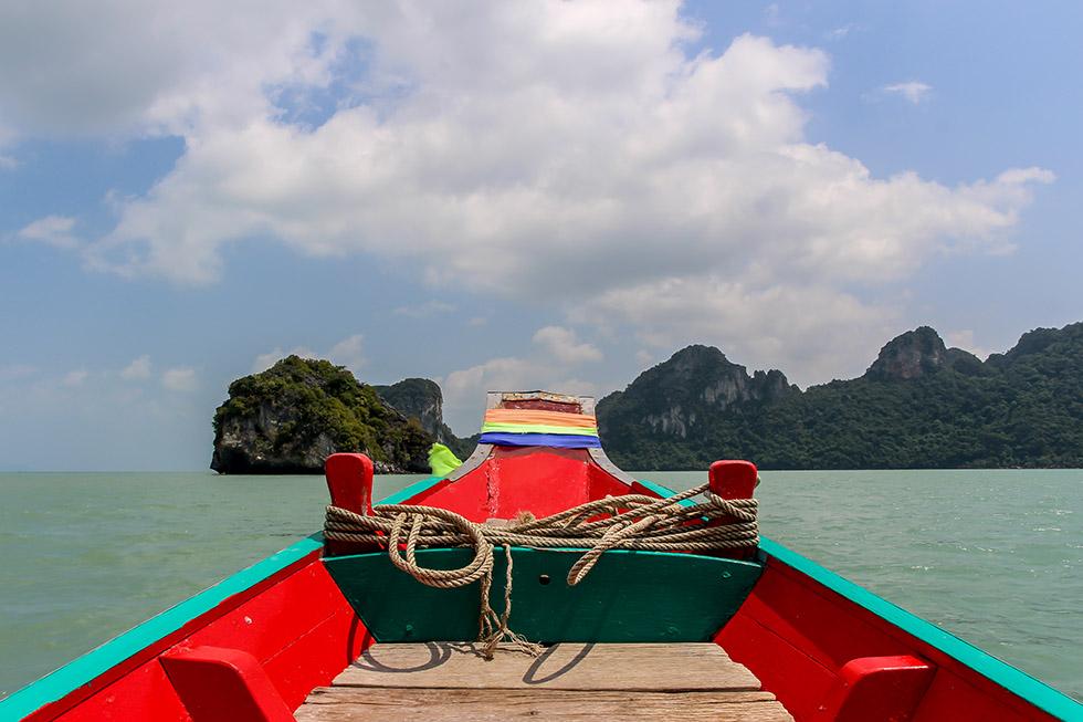 Boat tour to the pancake rocks
