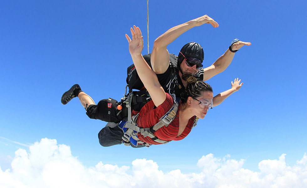 Skydiving at Pattaya - go go go!