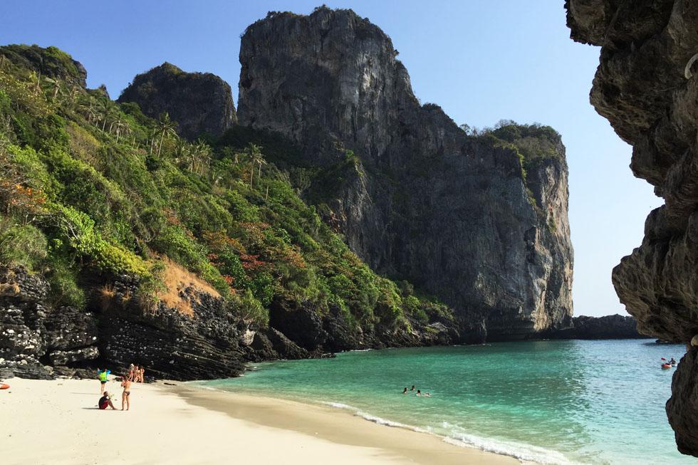 Ao Nui in Koh Phi Phi