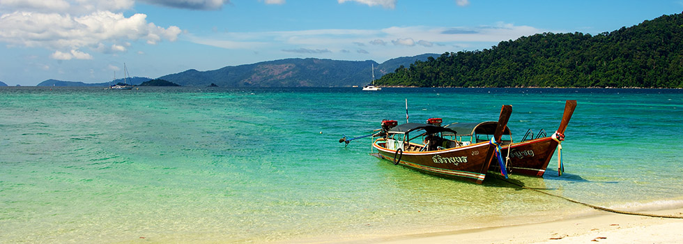 Island hopping is a thing in Thailand