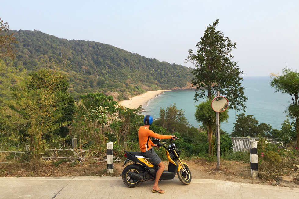 Exploring Koh Lanta with the motorbike
