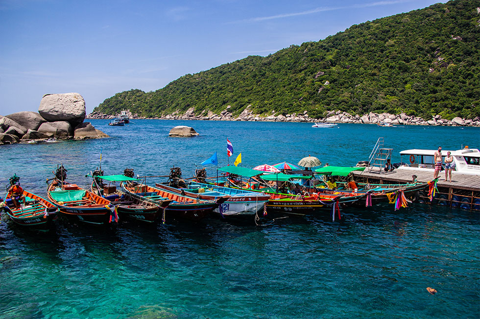 Many longtail-boats at Koh Nang Yuan