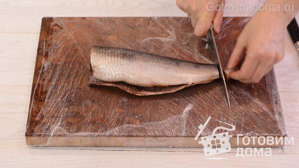 Πώς να ξεφλουδίσετε γρήγορα μια ρέγγα σε φιλέτο χωρίς οστά φωτογραφία για τη συνταγή 2