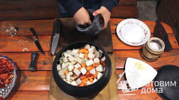 Говядина томленая с овощами в чугунке. Тушеное мясо ...