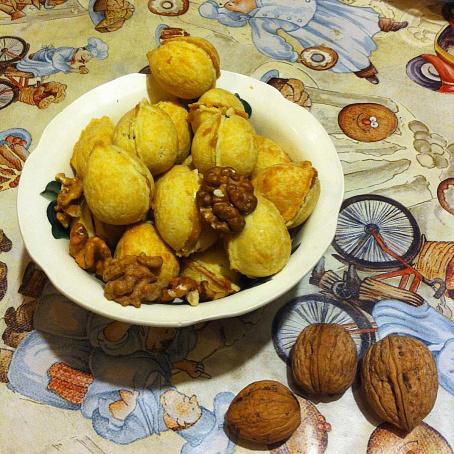 Орешки со сгущенкой - рецепт с фото, рецепт приготовления ...