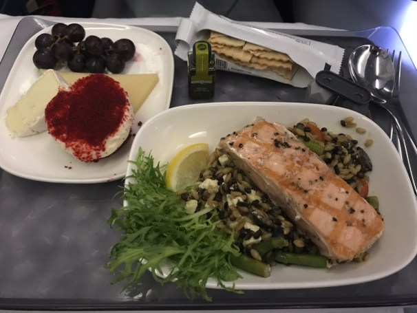 Delta first class lunch Salmon Salad