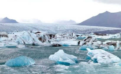 Jokulsarlon Glacier Lagoon Day Tour and Northern Lights Hunt