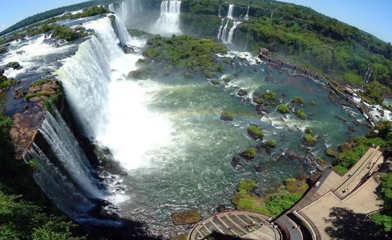 Brazil and Argentina Iguazu Falls Sightseeing Tour