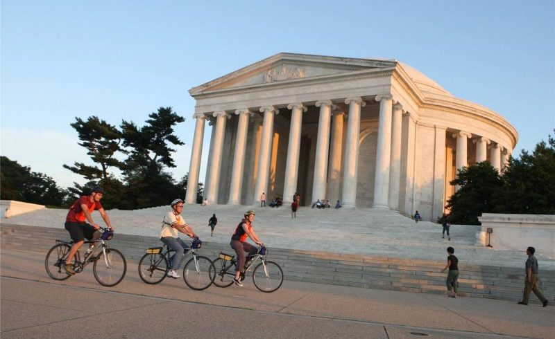 Monuments Bike Tour At Night