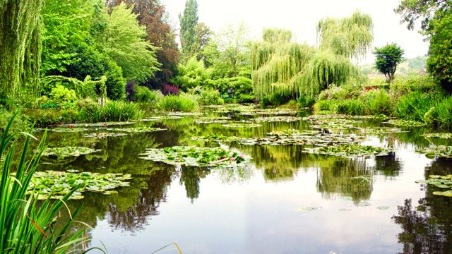 Claude Monet's House and Gardens Tour from Paris