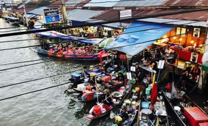 Risky Market and Amphawa Floating Market Day Trip From Bangkok