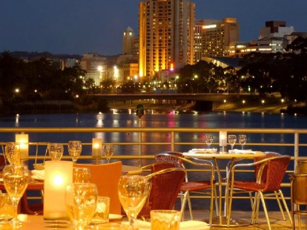 Adelaide Sightseeing Tour with River Cruise, Adelaide Hills and Riverfront Dinner