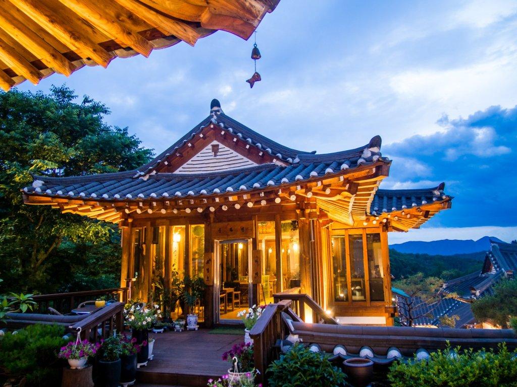 Chunhwawon Hanok Pension in Pocheon