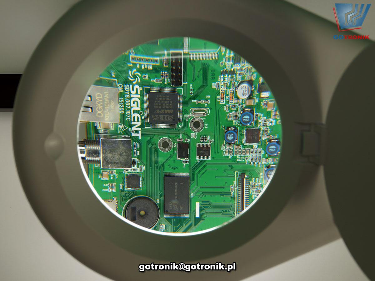 LAM-045, LAM-005, lampa z lupą powiększającą szklana soczewka o powiększeniu 5D i średnicy 5cali 127mm z oświetleniem 60 LED SMD 12W 1200lumen temperatura barwowa z zakresu 5600-6000K przykręcana do blatu