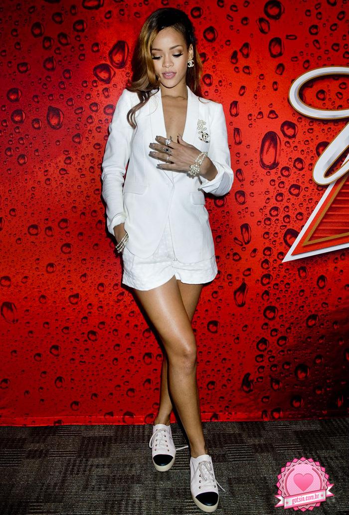 Rihanna-777-tour-chanel-riri-look-inspiracao-tenis-got-sin-02