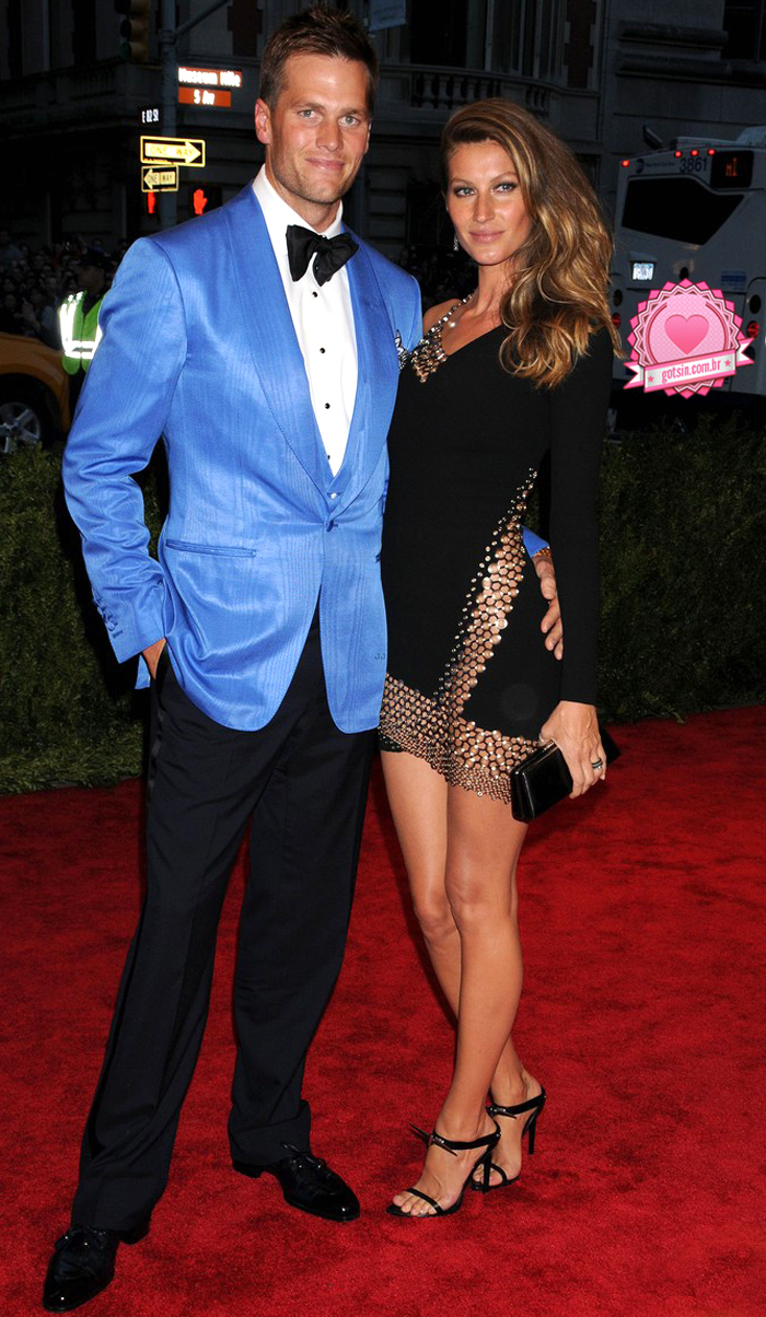 gisele-bundchen-tom-brady-met-ball-2013-red-carpet-Anthony-Vacarello-01
