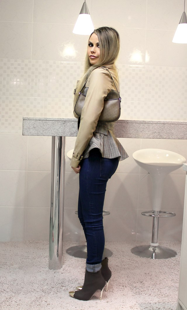 s-sininhu sylvia santini meu look inverno classico casaco peplum bota ankle boot cap toe burberry xadrez blog got sin 04