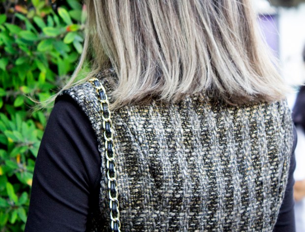 sininhu sylvia santini meu look cabelo curto colete tweed calça de couro dourado preto john john bolsa chanel blog got sin 17