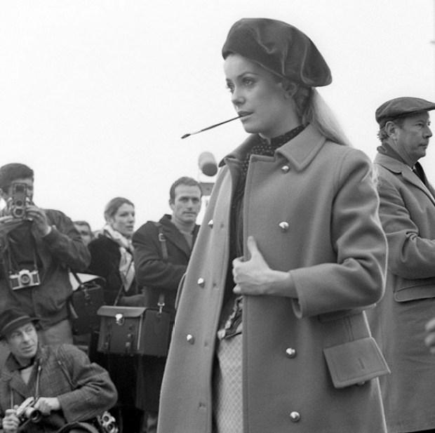 historia das boinas catherine deneuve 1968 moda blog got sin